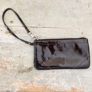 ♥️ Coach ♥️ Brown Patent Leather Wristlet